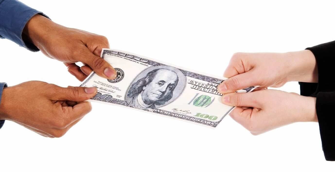 Кто из супругов должен возвращать долги по кредиту после развода?